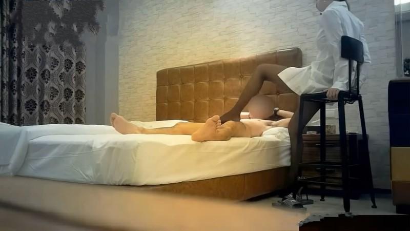 富二代XZ高级酒店约炮极品外围女模特白色衬衫高挑美腿黑丝肉丝换着玩大弯鸡巴多姿势爆操爽翻了720P高清
